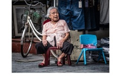 Hanoi street vendor - Kyffin Lewis (Commended - Set Subject - Street Photography - Mar 2019 PDI)