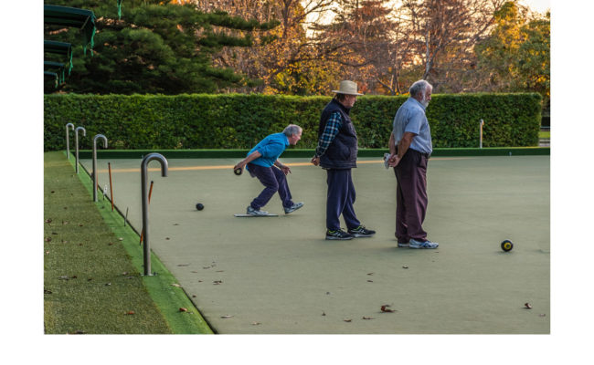 Bowling, St Vincent's Gardens Albert Park - Lesley Bretherton